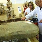 Los investigadores analizan la piedra etrusca