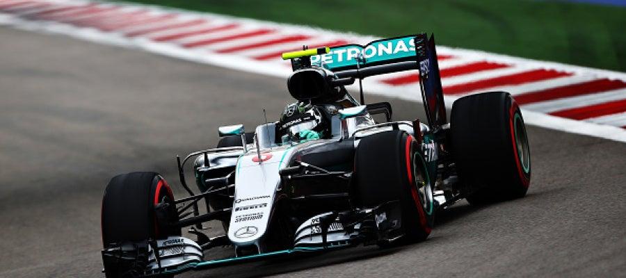 Nico Rosberg logra la 'pole' en Sochi