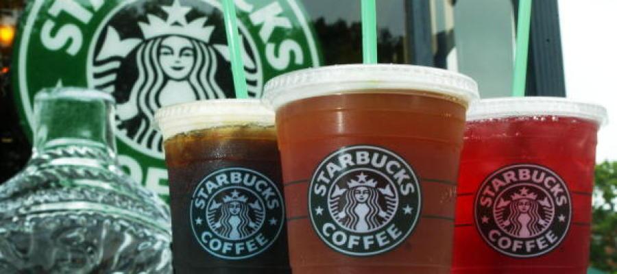 Bebidas de Starbucks con hielo