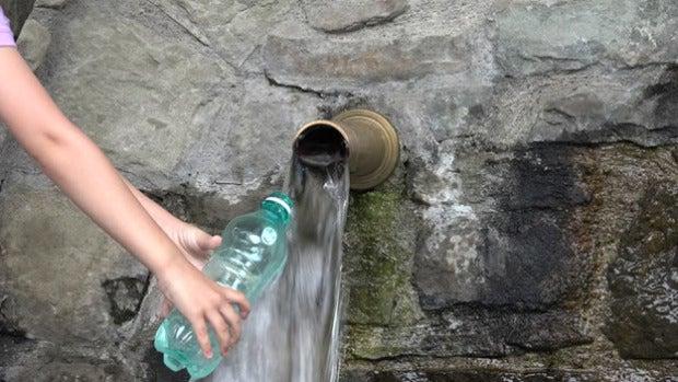 Mesa de redacción: Andalucía quiere obligar a los bares y restaurantes a servir agua gratis a los clientes