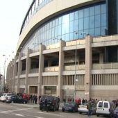 Alrededores del Vicente Calderón durante la venta de entradas