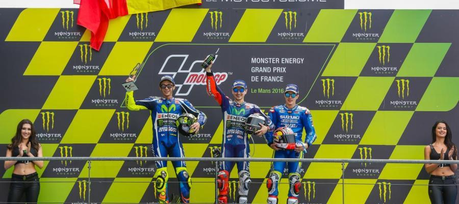 Lorenzo, Rossi y Viñales en el podio del GP de Francia