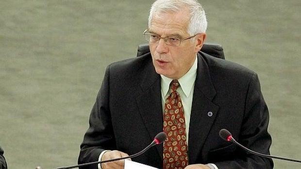 """Rubén Amón indulta a Borrell porque """"cómo estarán las cosas en el PSOE si la solución para redimirlo es él"""""""