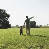 Imagen de un padre con su hijo