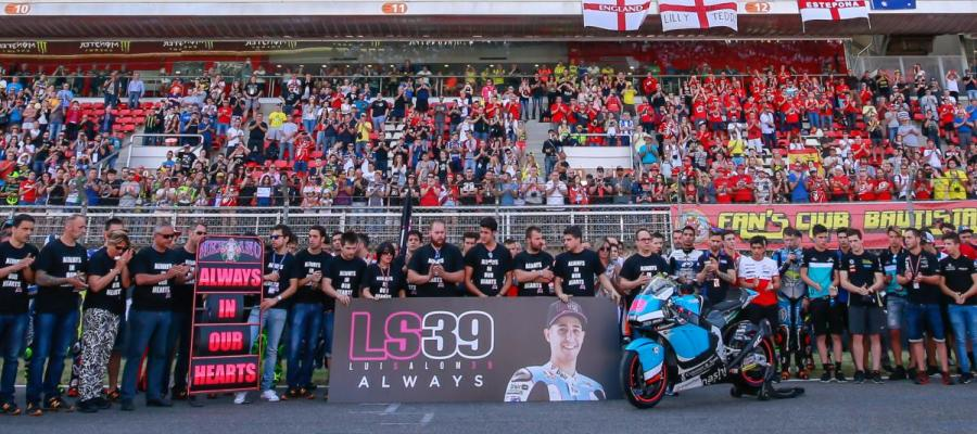 Minuto de silencio en memoria de Luis Salom antes de comenzar el GP de Cataluña