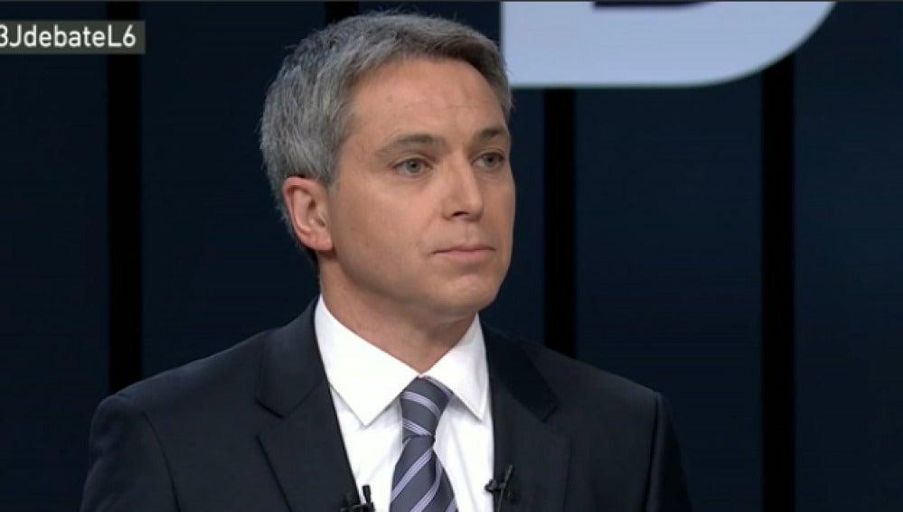 Vicente Vallés durante el debate a cuatro