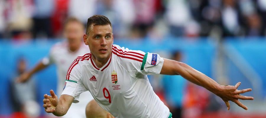 Adam Szalai celebra su gol ante Austria