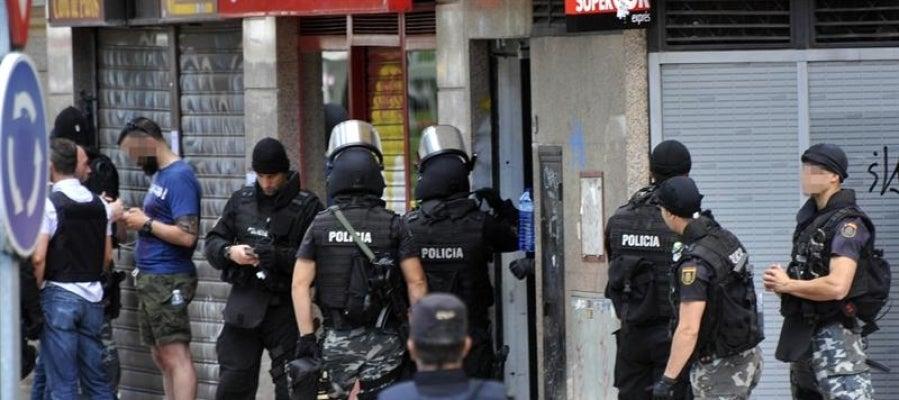 Policía en el restaurante chino de Alcobendas donde se ha atrincherado el inspector de policía