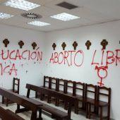 Pintadas en la capilla de la Universidad Autónoma de Madrid