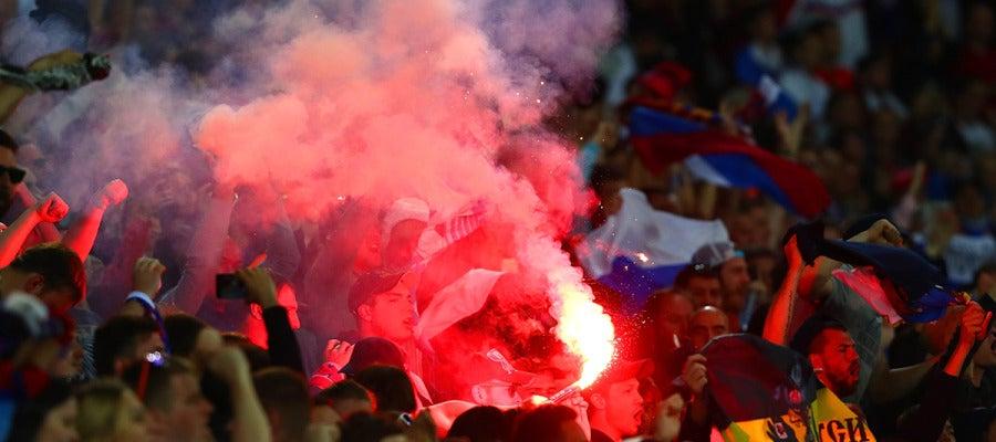 Aficionados rusos durante el partido ante Inglaterra