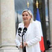 Marine Le Pen tras su reunión con Hollande