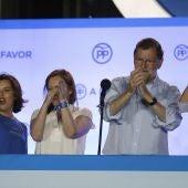Mariano Rajoy celebra su triunfo en la sede del PP