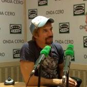 Macaco con Juan Ramón Lucas durante la última pregunta