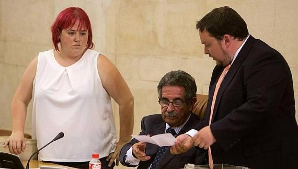 Verónica Ordóñez de Podemos, junto a Miguel Ángel Revilla