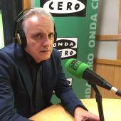 Javier Menéndez Gayo en los micrófonos de Onda Cero León
