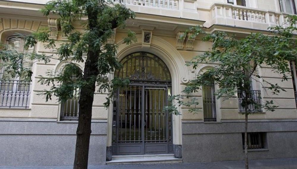 Vista esta tarde del edificio de la calle Fortuny, 6 en Madrid, una de las sedes del banco suizo Mirabaud en Madrid