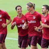 Fernando Torres y Oliver Torres, en el entrenamiento en el Cerro del Espino.