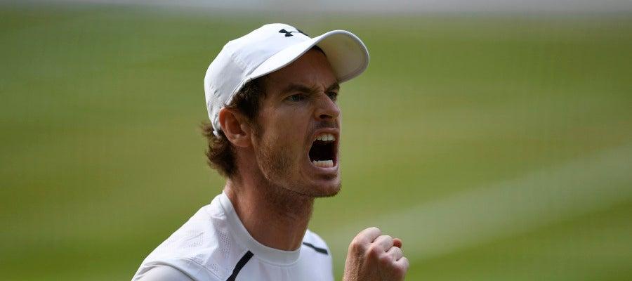 Andy Murray celebra un punto en la final ante Raonic