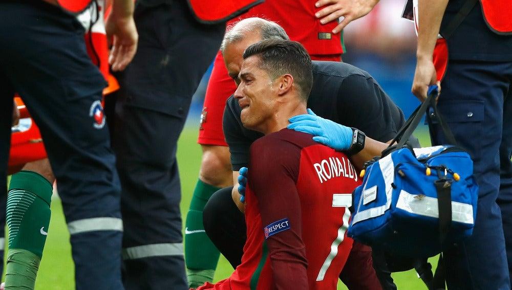 Cristiano, entre lágrimas tras caer lesionado