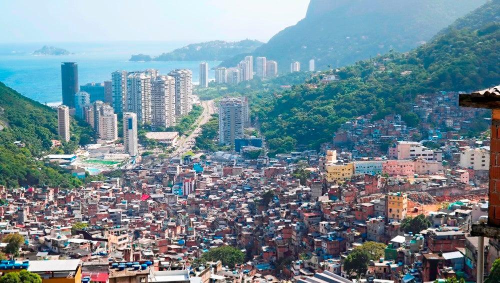 Una mujer inglesa es tiroteada al entrar por error en una favela ...