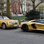 Golden Cars de lujo en plena calle