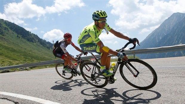 """Alberto Contador: """"Me ha reventado el lado izquierdo y el gemelo lo llevo mal"""""""