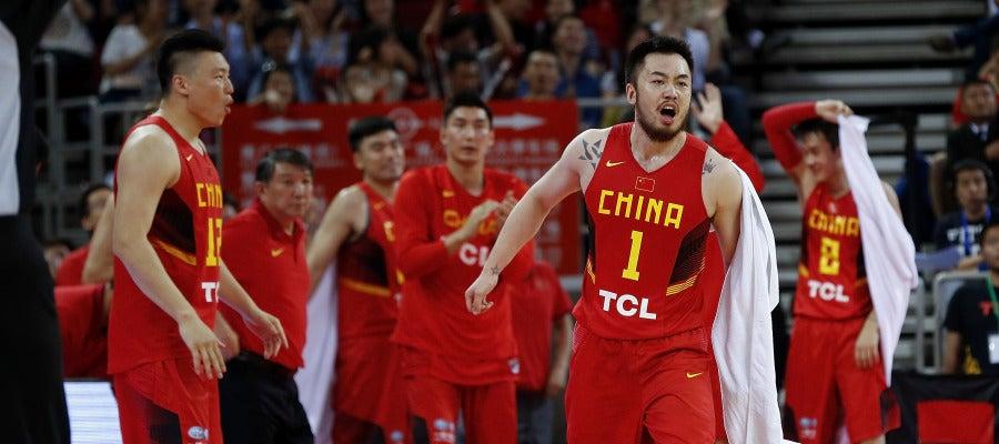 La selección china de baloncesto, envuelta en un tiroteo en Río