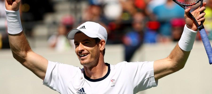 El tenista escocés Andy Murray celebra la victoria