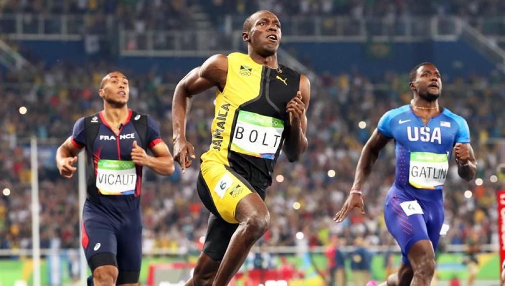 Bolt agranda su leyenda con su tercer oro en 100 metros