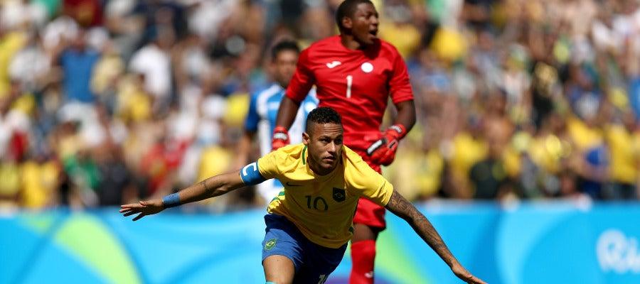 Neymar celebra su gol contra Honduras en los Juegos