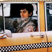 Para preparar su papel en 'Taxi Driver', el actor obtuvo una licencia de taxista y estuvo varios días conduciendo por las calles de Nueva York durante el turno de noche.