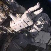 Un astronauta en la Estación Espacial Internacional