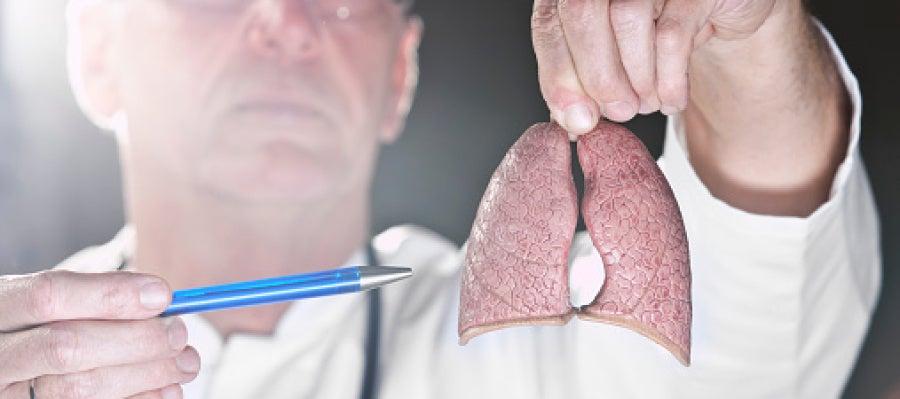 Un inhalador triplica la supervivencia en un tipo de cáncer de pulmón