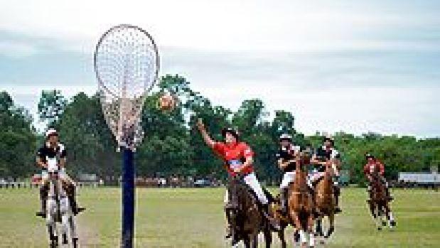 'El Pato', el deporte nacional de Argentina