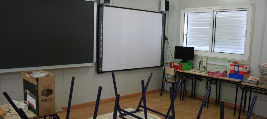 Entre las novedades para este ciclo figuran las pizarras digitales que estrenarán los alumnos del centro Santa Quitèria.