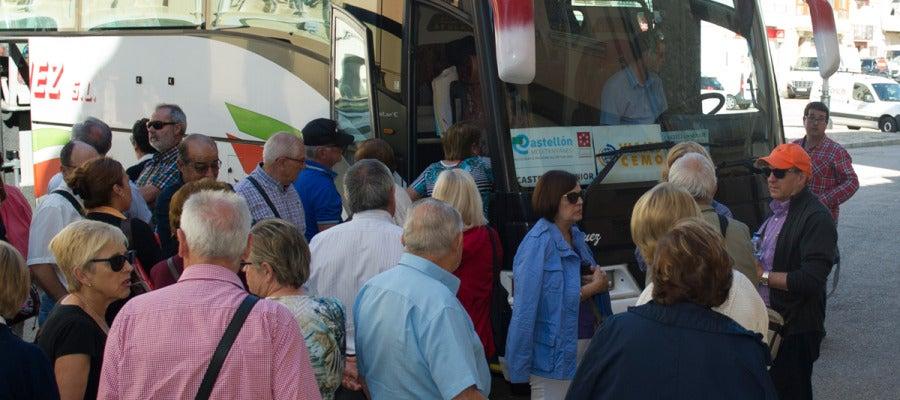 Las personas de más de 65 años disfrutan de estas vacaciones con el apoyo económico de la Diputación.
