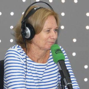 Pilar Cernuda en los estudios de Onda Cero