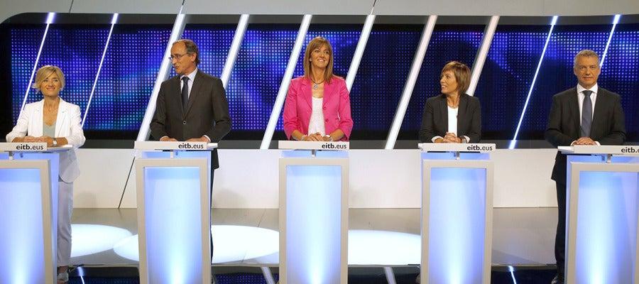 Candidatos a las elecciones vascas durante un debate electoral