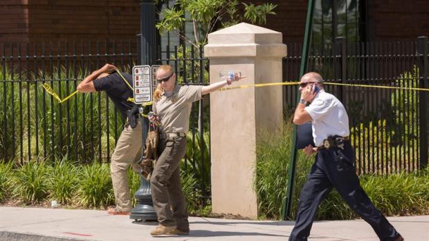 Un joven mata a su padre y después dispara a dos niños y a una profesora en una escuela de Carolina del Sur