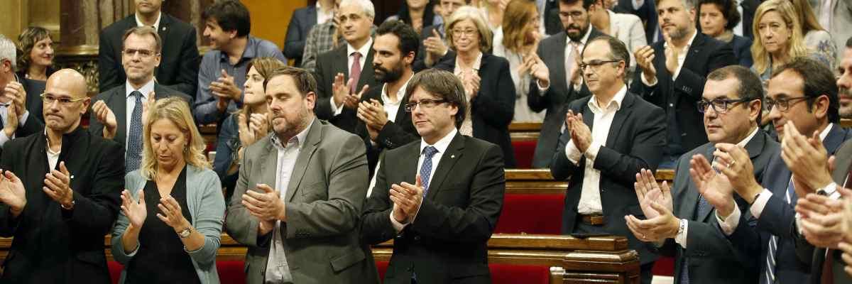 Junts pel Sí lleva a la Mesa del Parlament la tramitación urgente de las leyes de desconexión