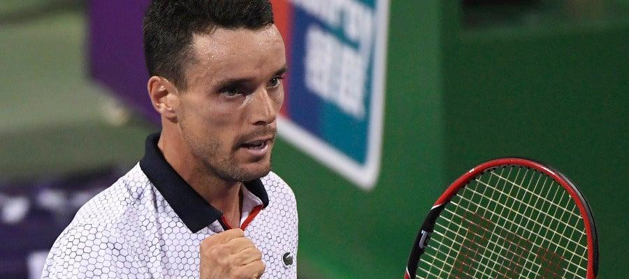 El tenista español Roberto Bautista celebra un punto