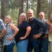 Foto de seis de los once hermanos