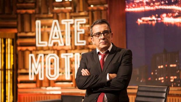 Carlos Alsina presenta 'Más de un late', con un primer invitado muy especial: Andreu Buenafuente