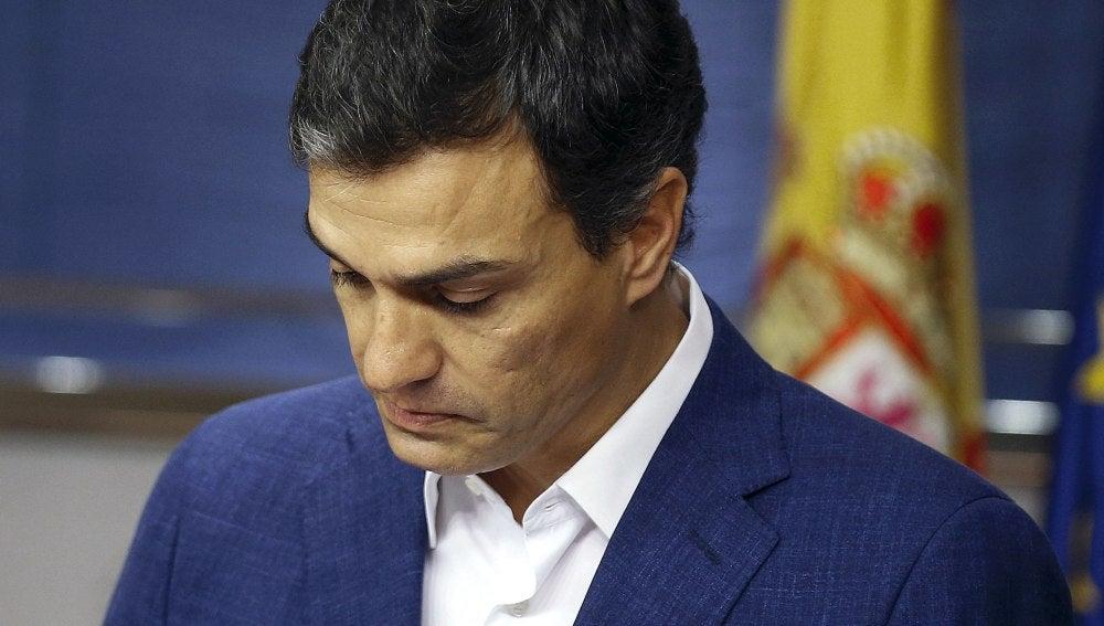 Pedro Sánchez renuncia a su escaño