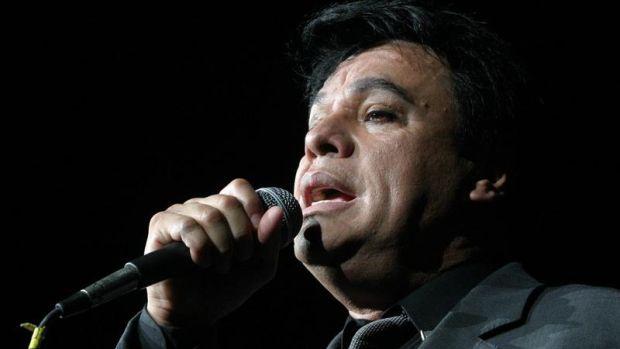 Anuncian en México una gira de Juan Gabriel, el cantante fallecido hace dos años