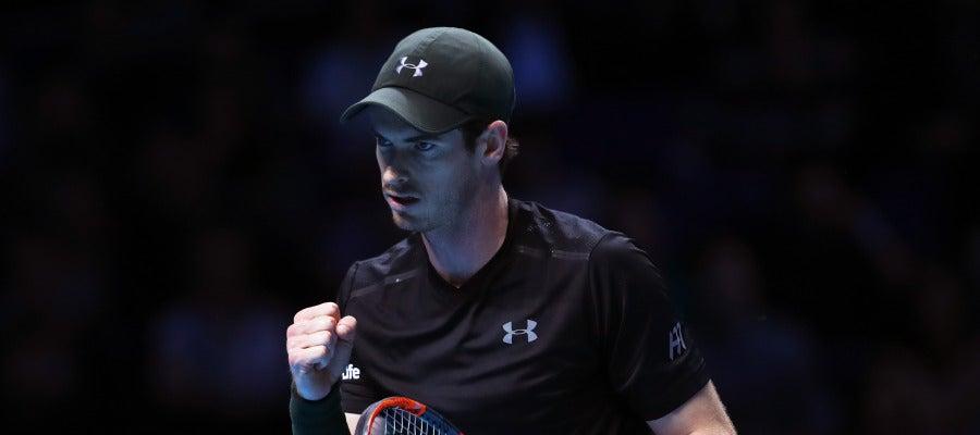 Andy Murray celebra un punto ante Novak Djokovic en la final de la Copa Masters