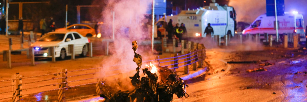 Imagen de la explosión en las afueras del Vodafone Arena, estadio del Besiktas