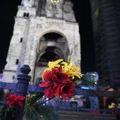 Un ramo de flores en el mercado de Berlín donde se produjo el atentado