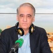 Ignacio Cembrero en los estudios de Onda Cero