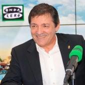 Javier Fernández, presidente de la Gestora del PSOE durante una entrevista en Onda Cero